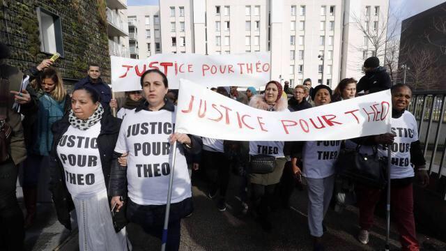 VIDEO Parigi, violenze polizia: rabbia e scontri nella banlieue
