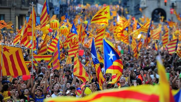 Indipendenza Catalogna, notte di festa a Barcellona