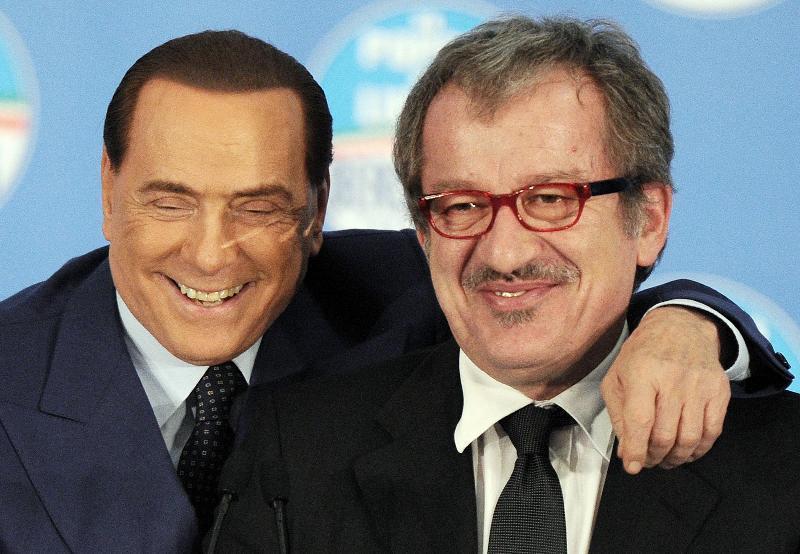 Elezioni regionali, Maroni all'attacco di Salvini: