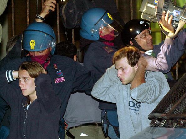 G8, possibile revisione del processo per i poliziotti della Diaz