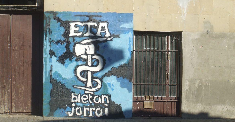 Spagna, l'Eta annuncia lo scioglimento completo e definitivo